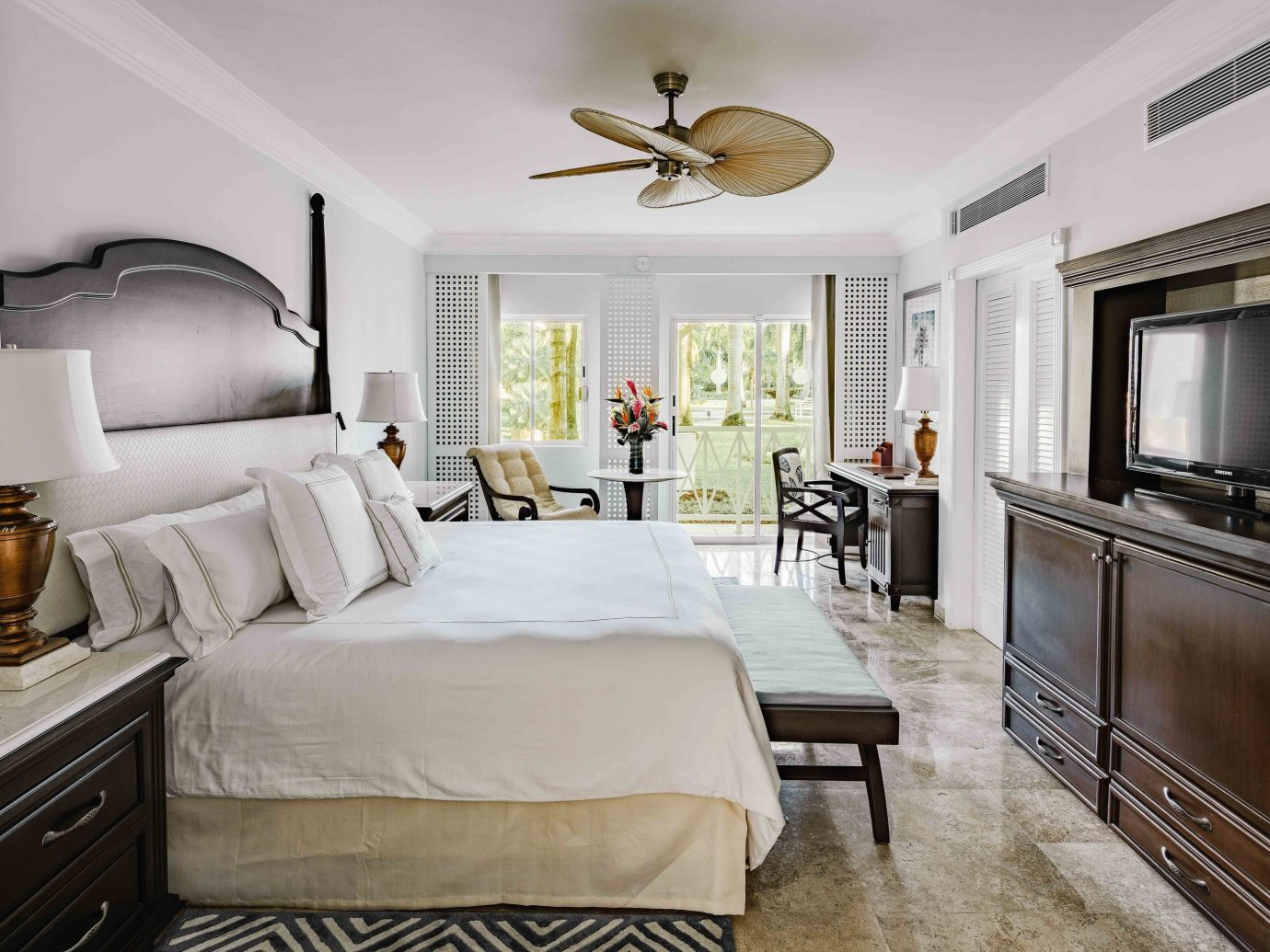 All-inclusive All-Inclusive Resorts Mexico Riviera Maya, Mexico indoor bed wall floor room Bedroom window interior design ceiling bed frame home hotel real estate living room Suite estate interior designer furniture several
