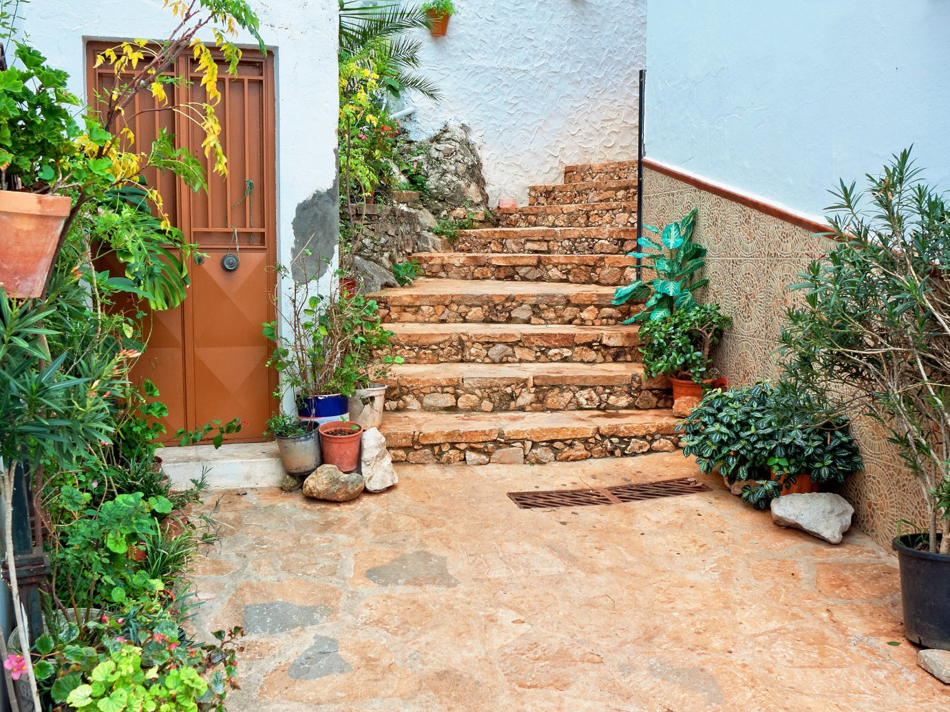 europe Spain Trip Ideas property yard Courtyard backyard walkway Garden wall plant home real estate outdoor structure landscaping house wood Patio flower estate facade tree grass