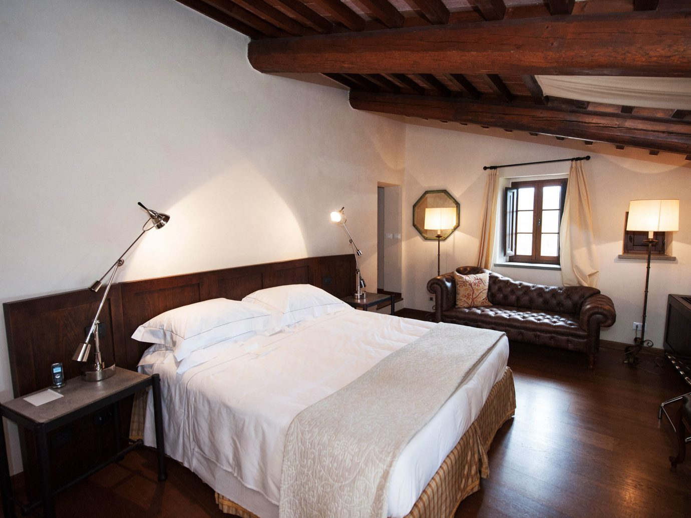 europe Hotels Italy Romance indoor bed wall floor room Bedroom ceiling hotel property building estate cottage Villa Suite real estate farmhouse lamp