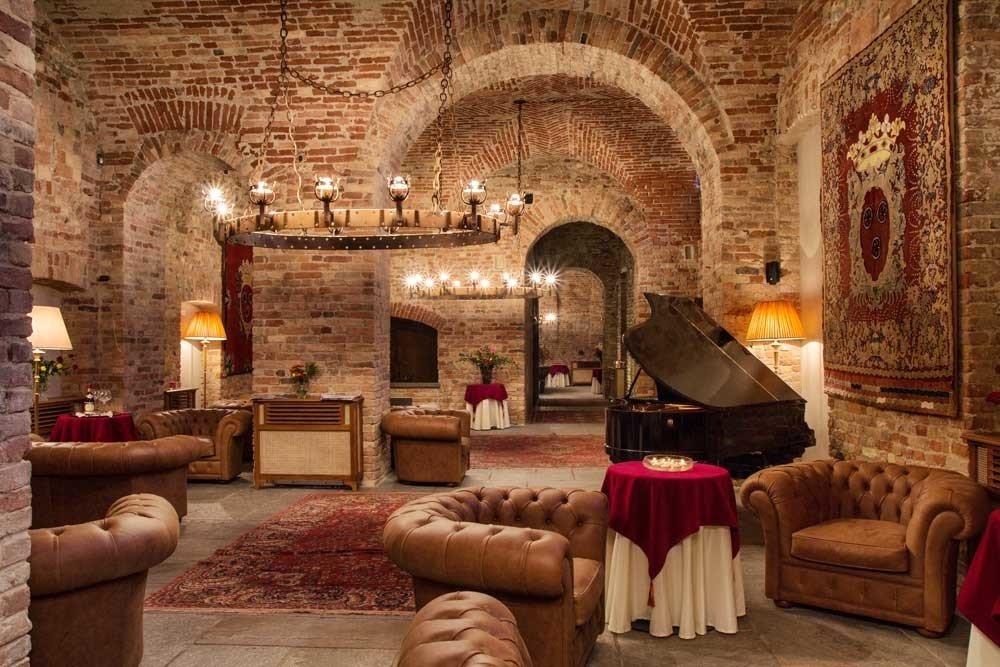 europe Hotels Italy Romance room interior design living room hacienda estate Suite ceiling