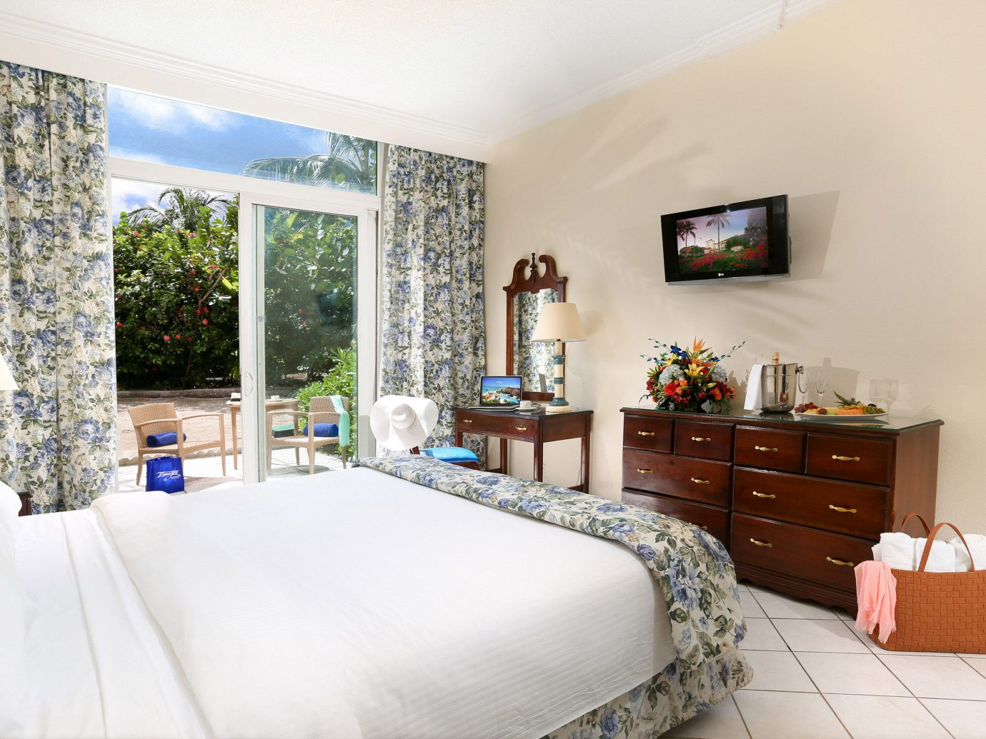 All-Inclusive Resorts Budget caribbean Hotels indoor wall floor bed room property window Bedroom interior design real estate Suite home estate hotel bed frame interior designer pillow ceiling furniture decorated