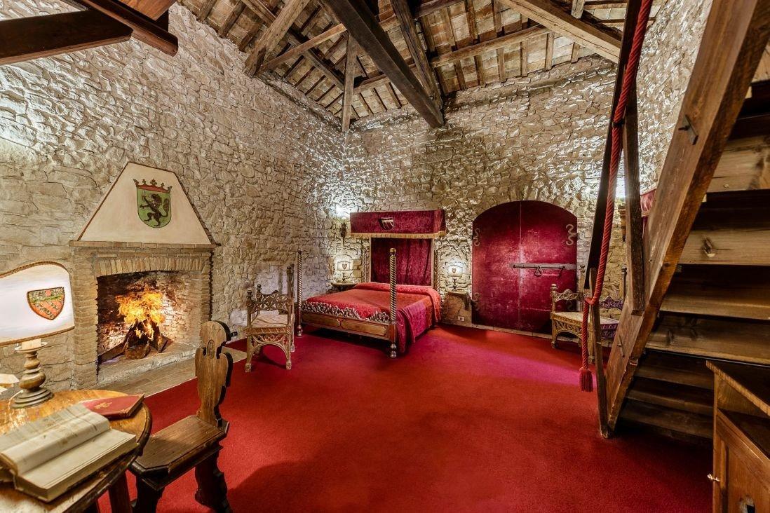 europe Hotels Italy Romance room interior design estate ceiling living room Suite