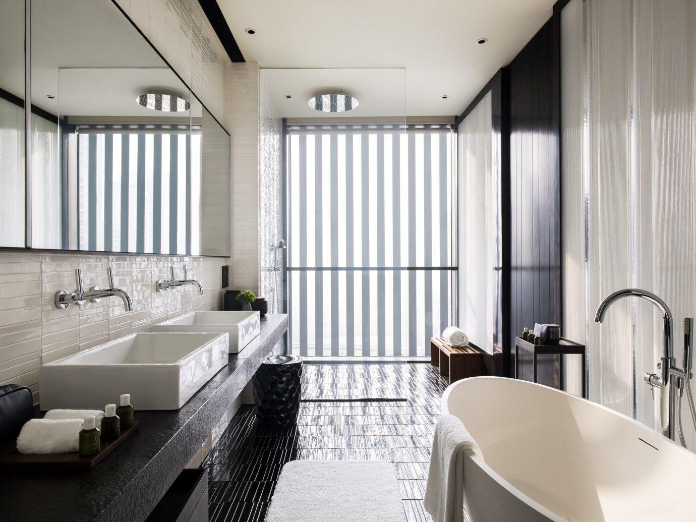 The Middle House, Shanghai