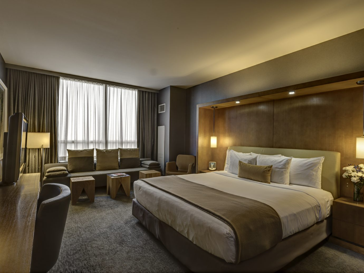 Loews Chicago OHare Hotel King Guestroom