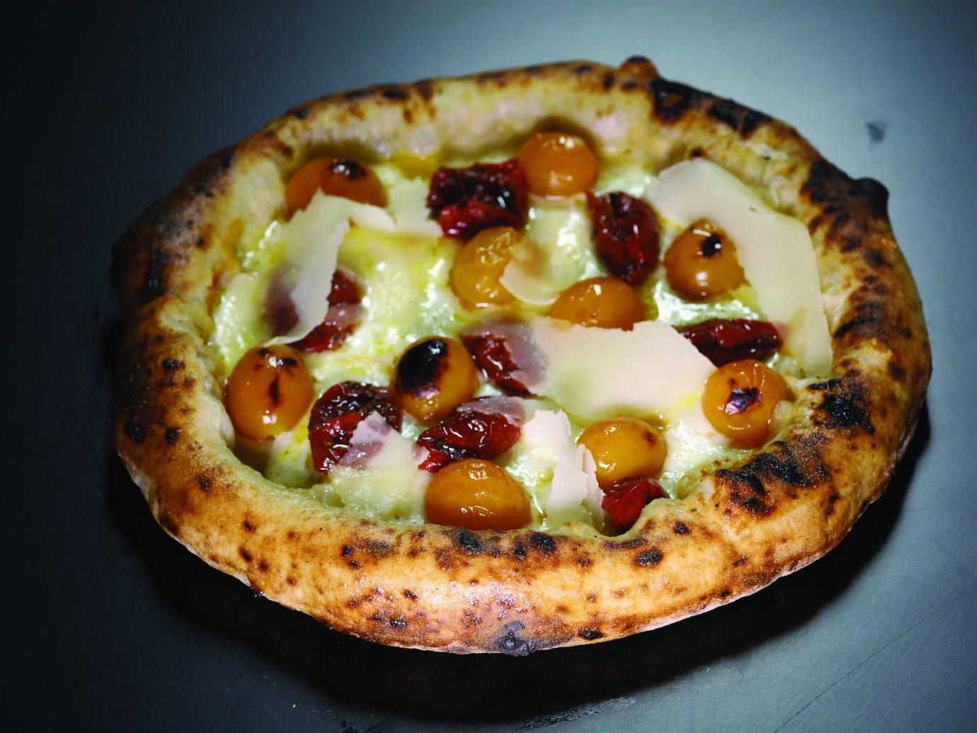 margherita sbagliata, Neapolitan Pizza at Pepe in Grani in Campania, Italy