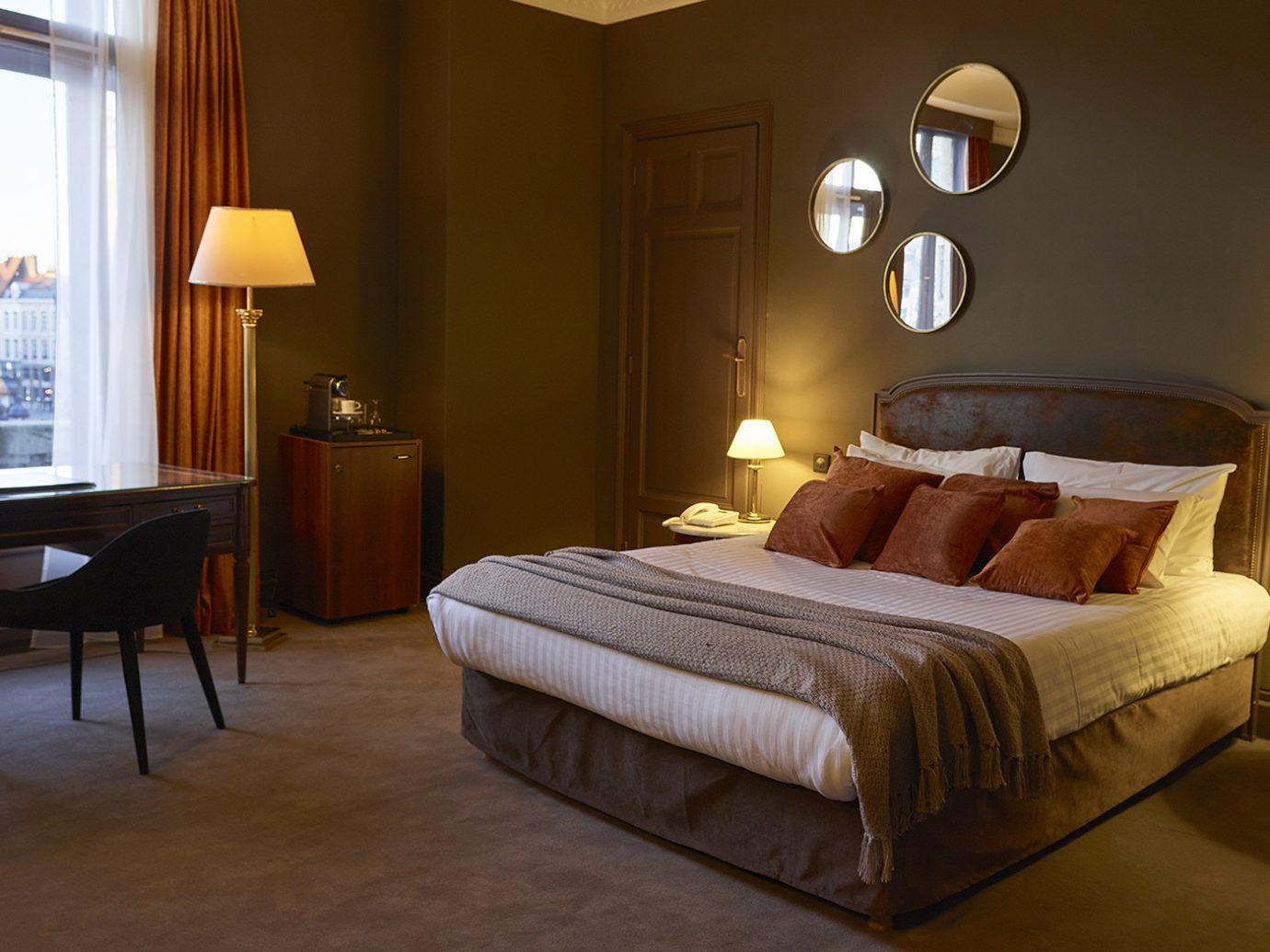 Guestroom at Hôtel Carlton Lille
