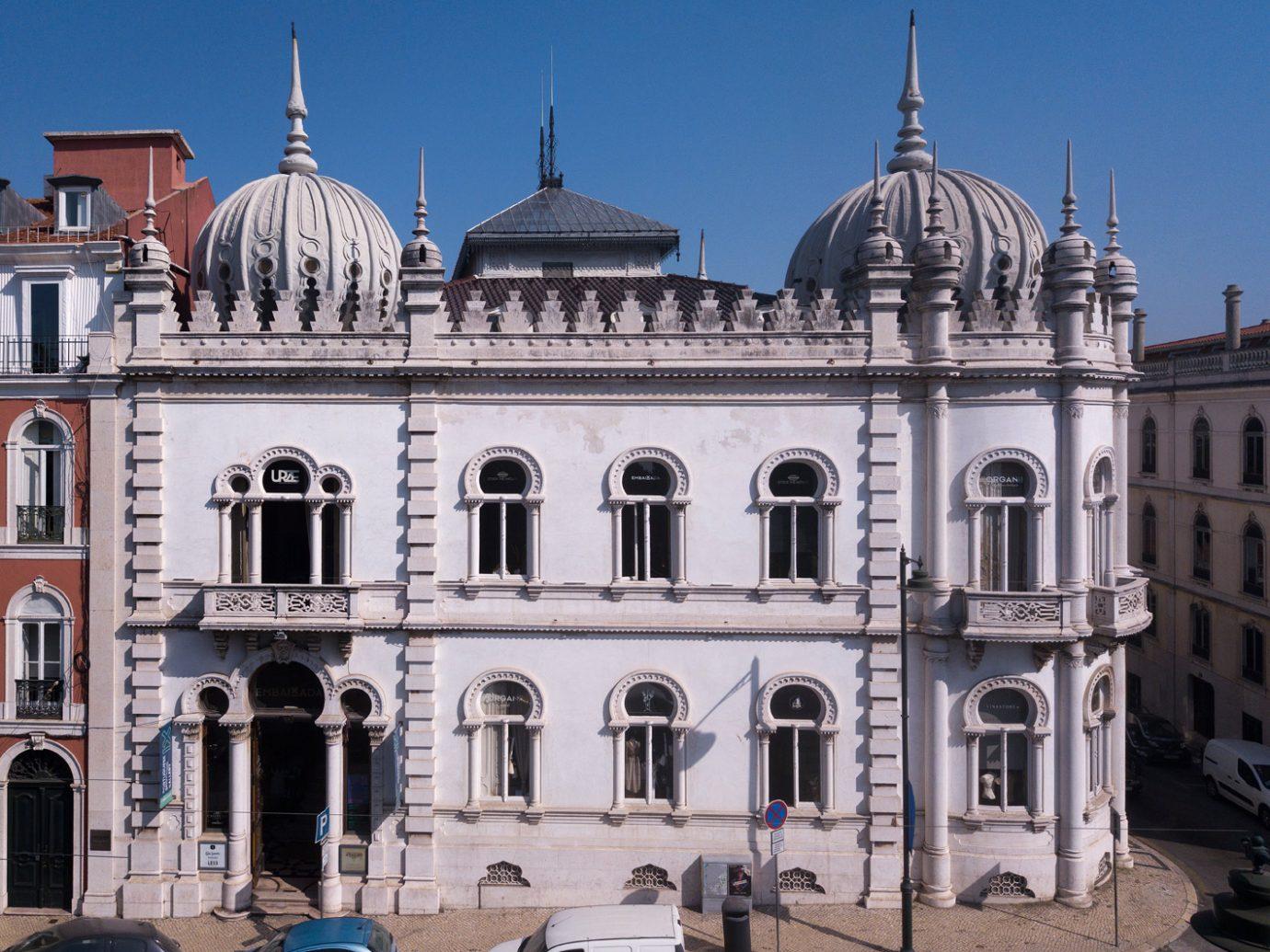 Exterior of Embaixada