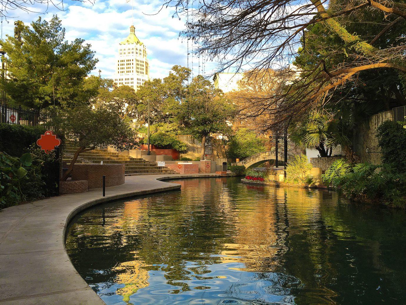 Beautiful view of the San Antonio Riverwalk