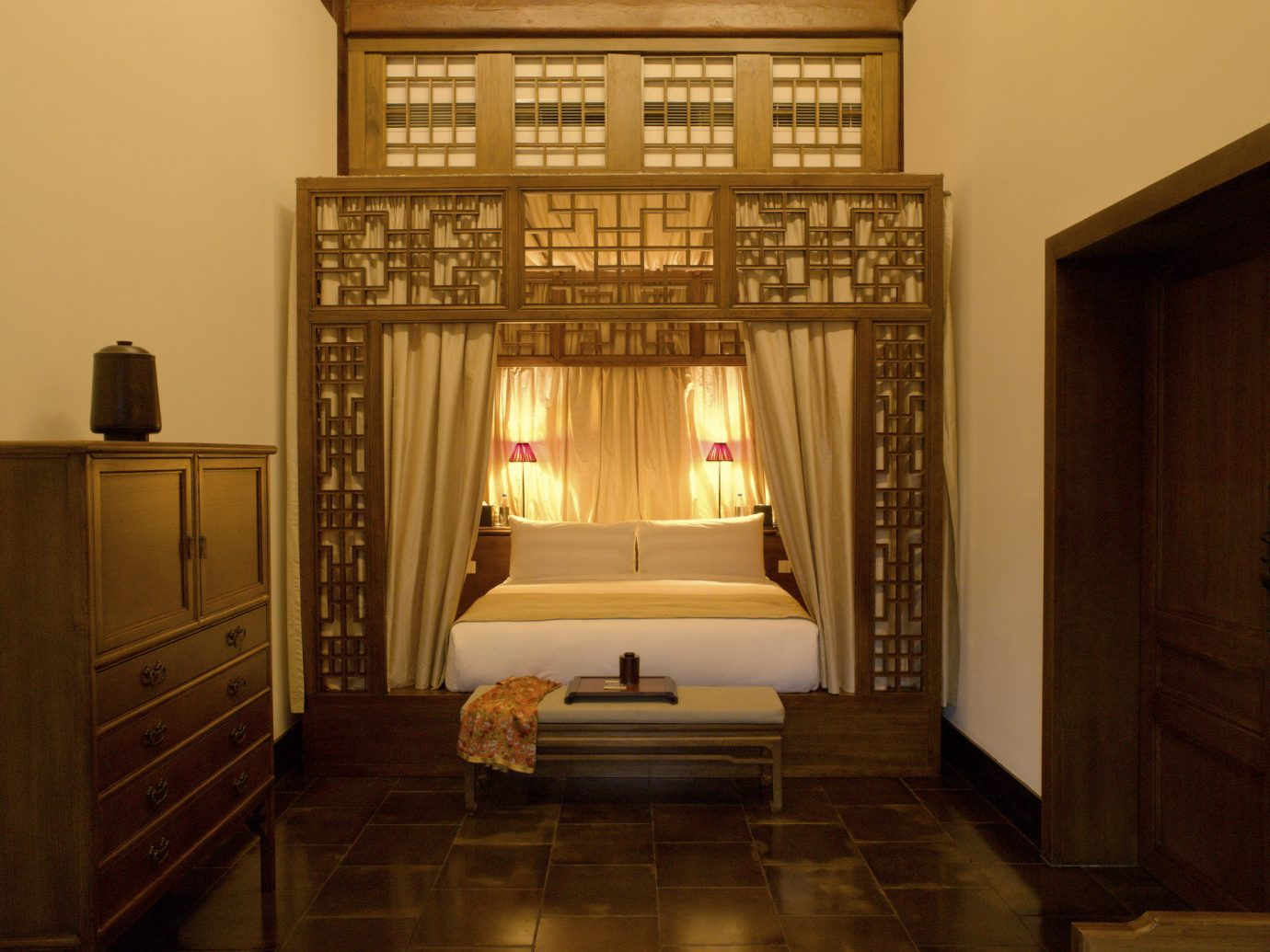 Bedroom at Aman Summer Palace in Beijing