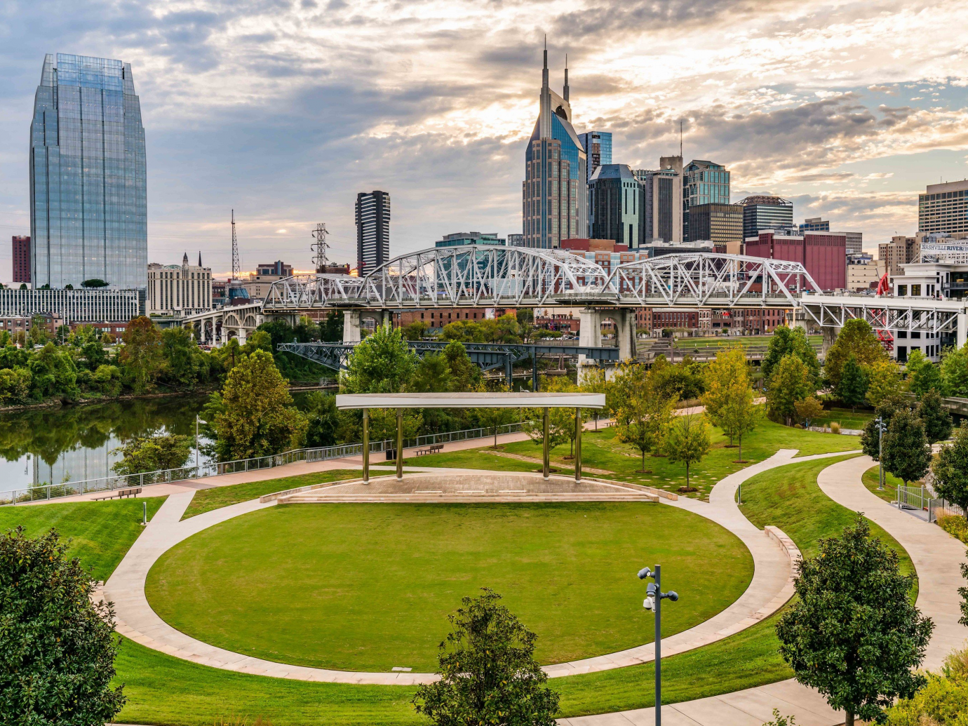 Aerial shot of Nashville in the day time