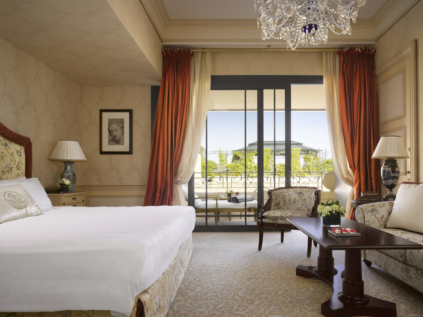 Bedroom at Hotel Metropole