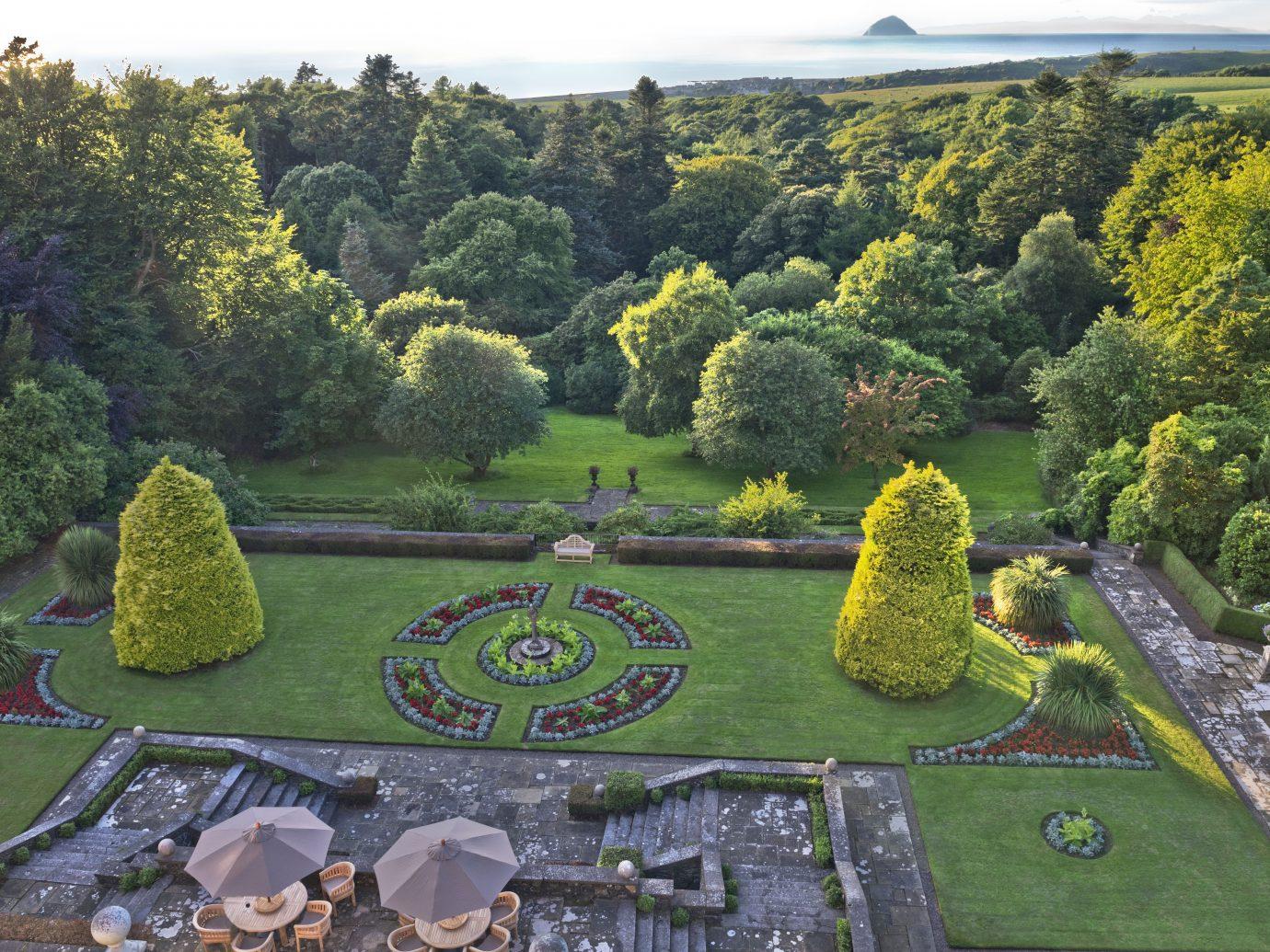 Glenapp castle grounds