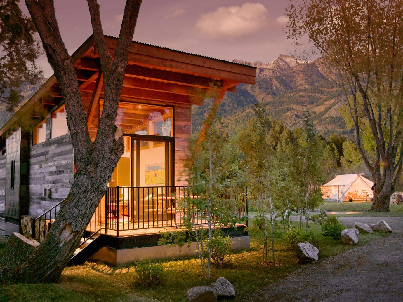 exterior view of Fireside Resort