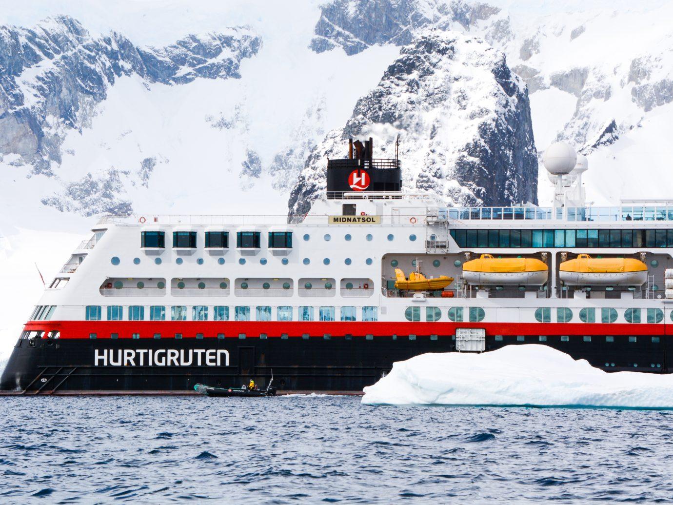 Hurtigruten Midnatsol Ship