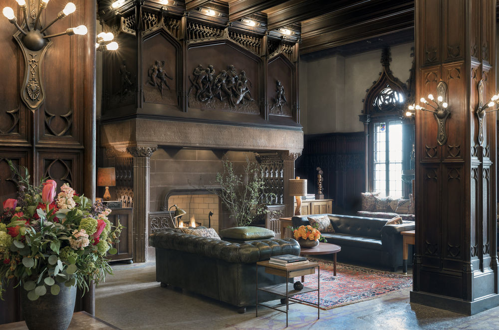 Lounge at Chicago Athletic Association