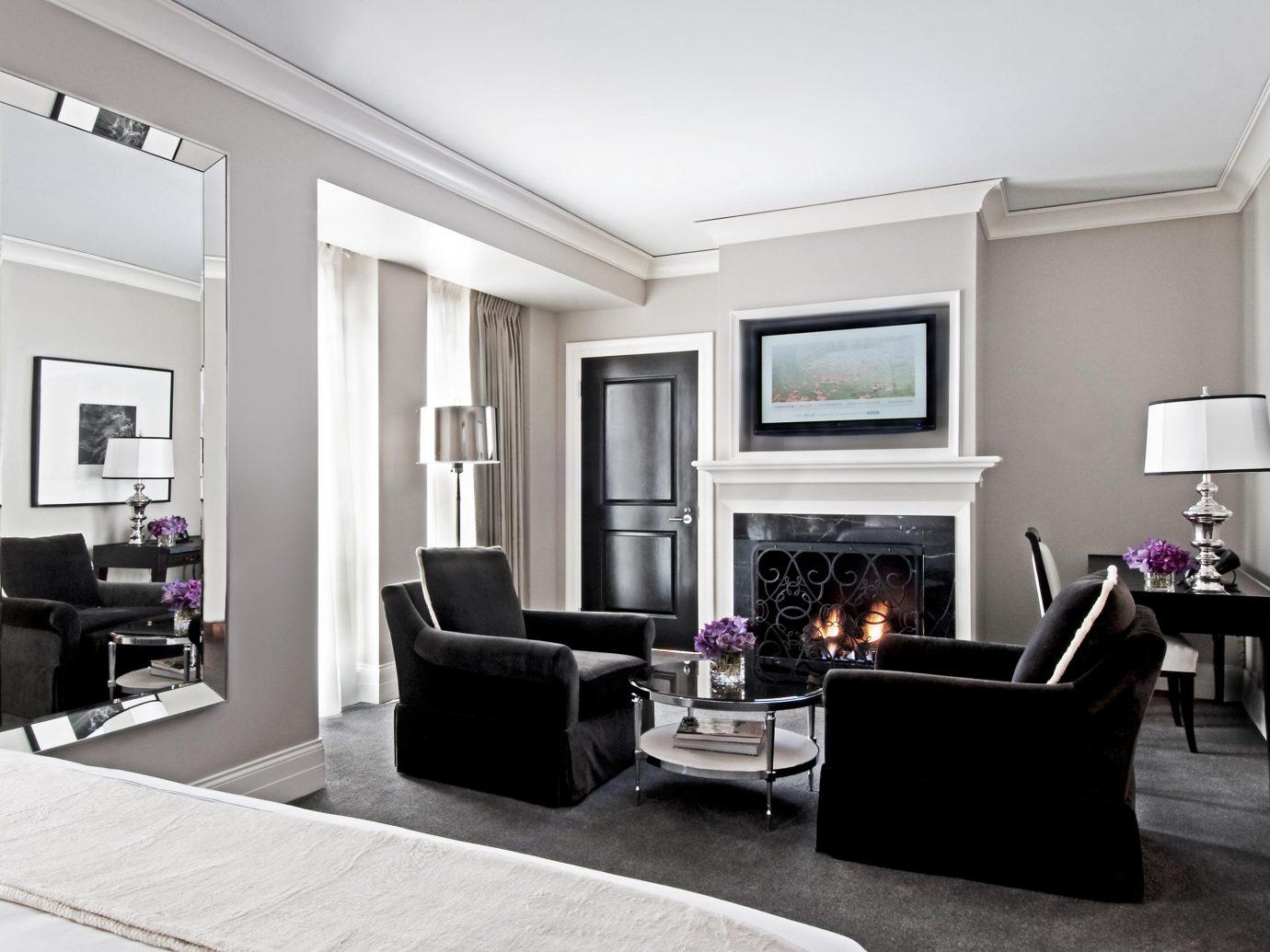 Living room at Waldorf Astoria Chicago
