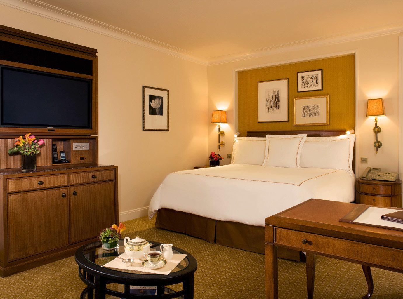 Bedroom of Peninsula Chicago