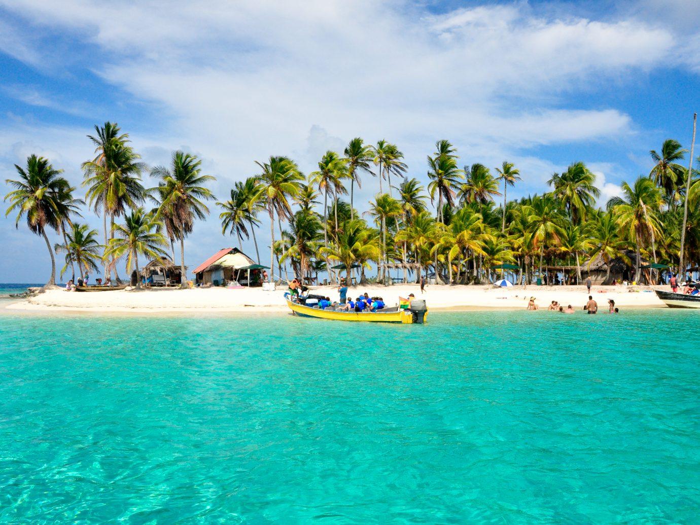 Arraving at a caribbean tropical Island, San Blas, Panama