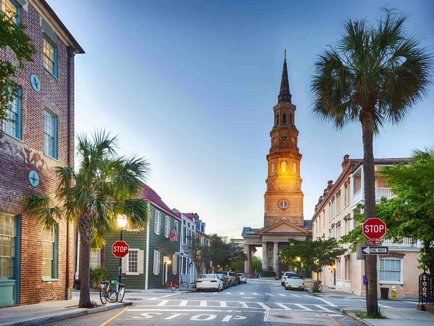 Downtown Charleston, South Carolina in the early evening.