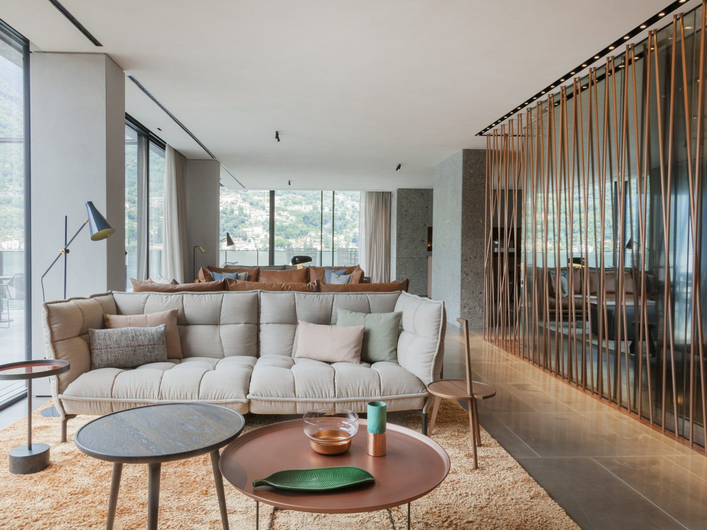 Lounge at Le Sereno in St. Bars