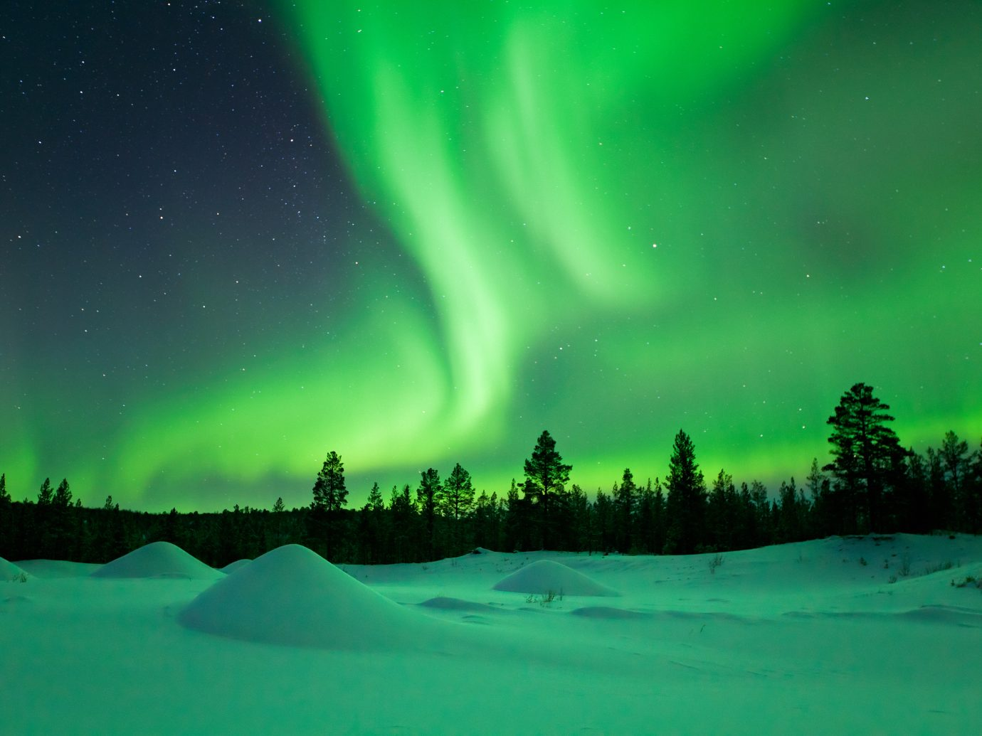 Beautiful northern lights (aurora borealis).