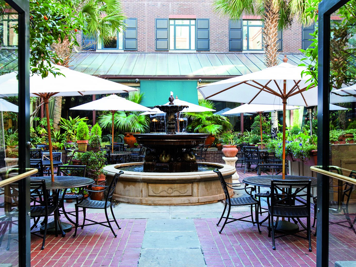 Outdoor cafe at the Belmond Charleston Place