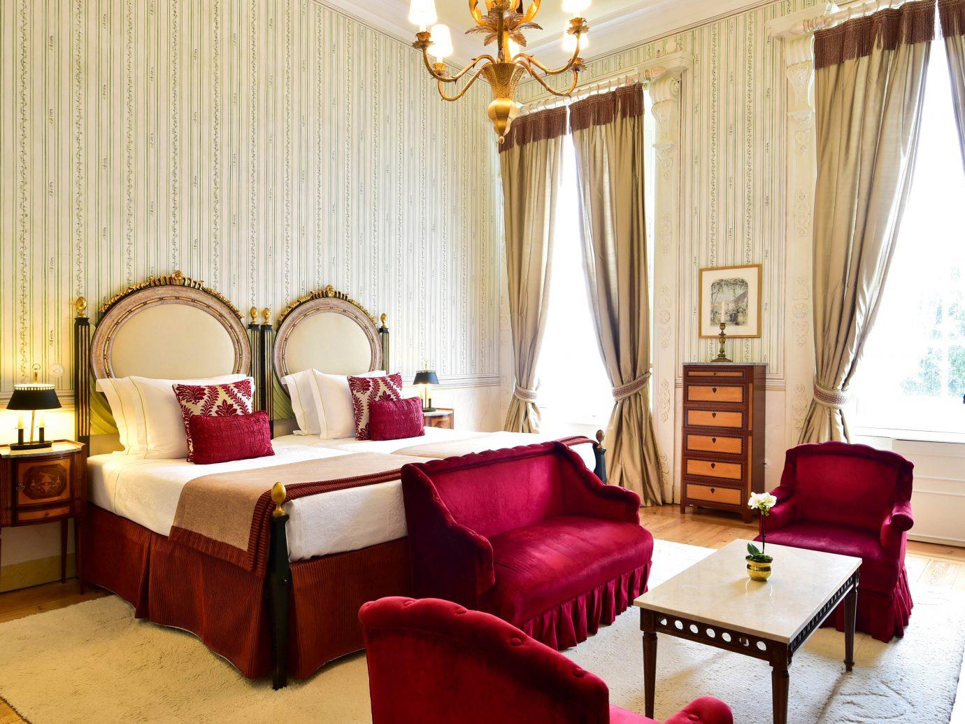 Deluxe bedroom at Tivoli Palacio de Seteais