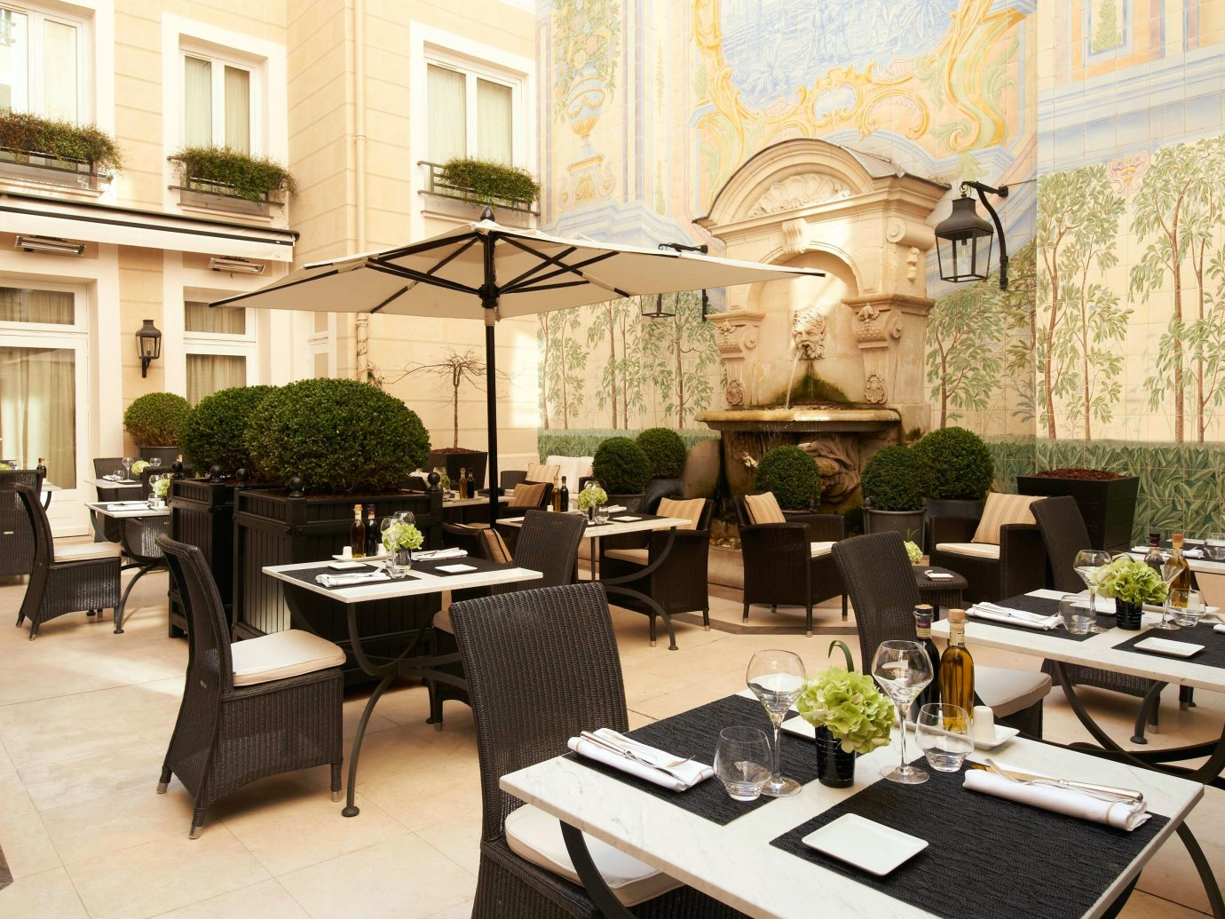 Courtyard of Castille Paris