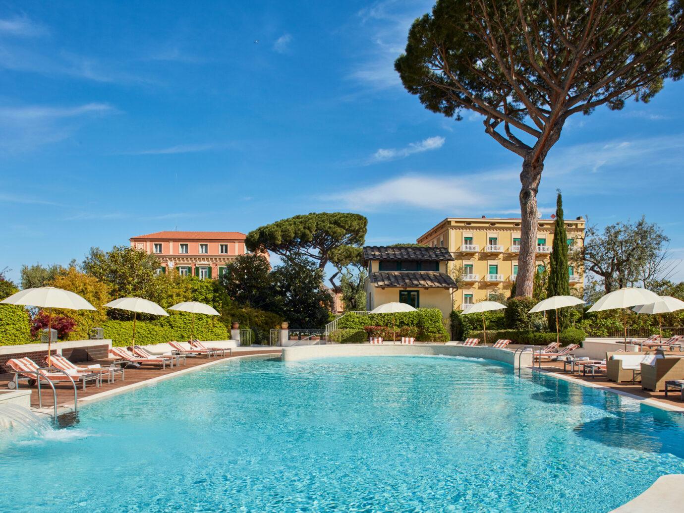 Pool at Grand Hotel Excelsior Vittoria