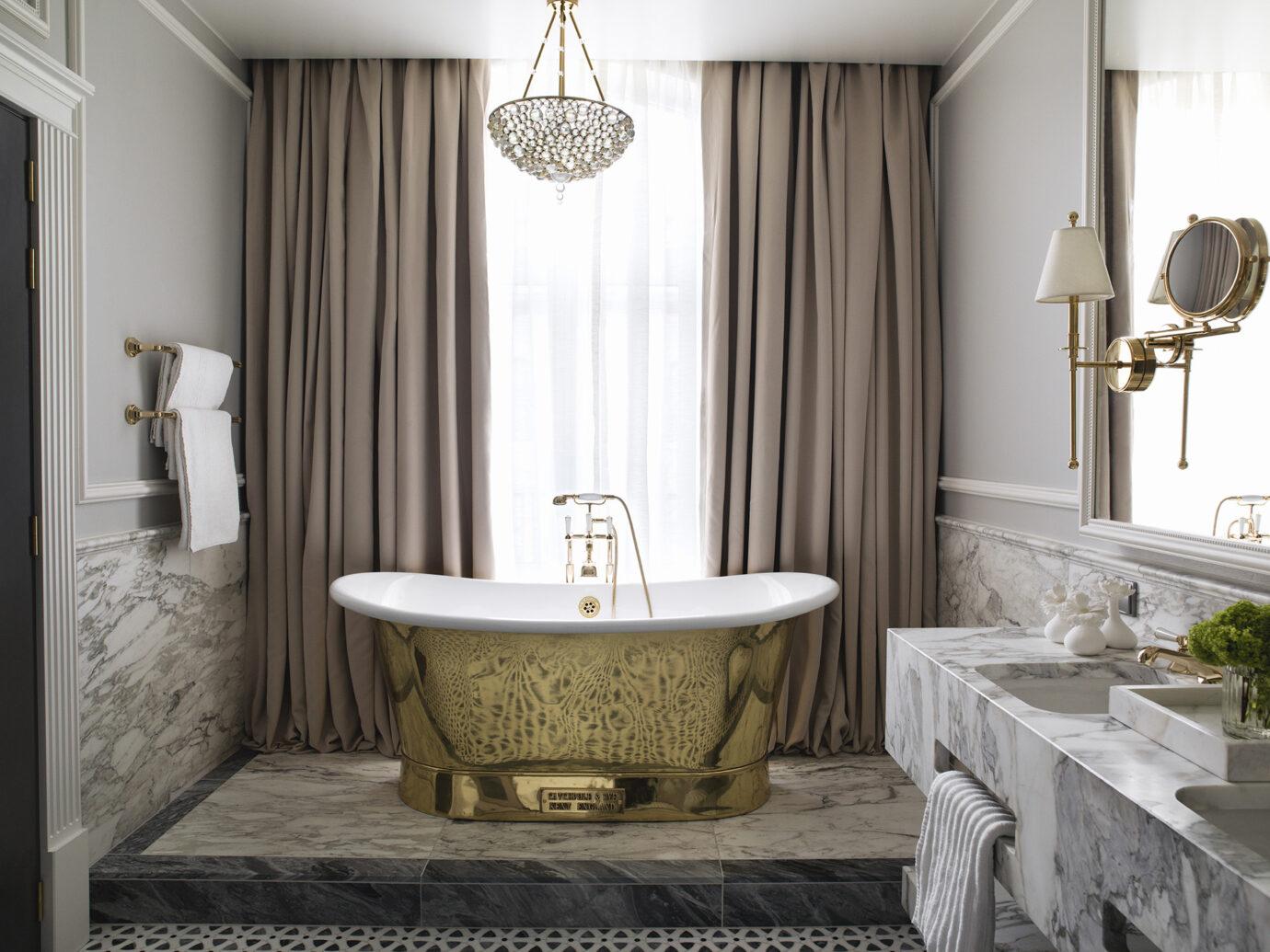 Suite bathroom at Britannia Hotel