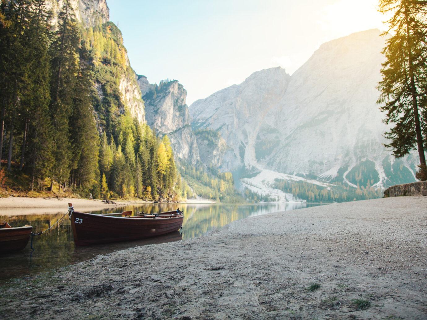 beautiful aline mountain lake
