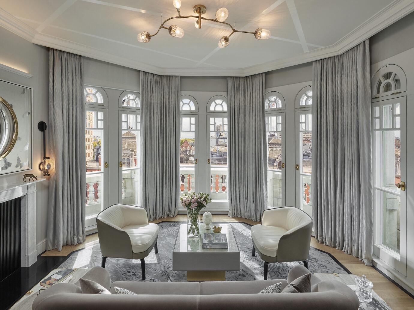 living room at Mandarin Oriental Hyde Park
