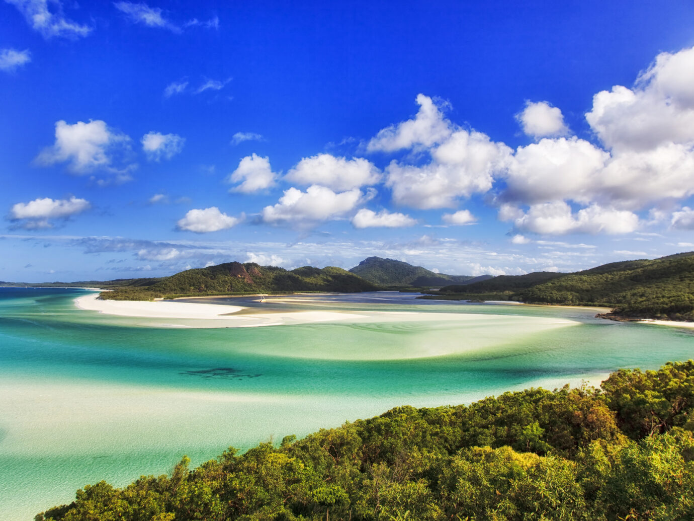 Whitehaven beach on Whitsundays islands