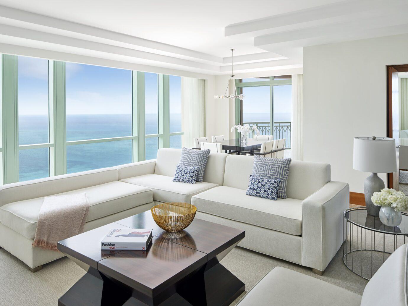 The Cove Sapphire Suite Livingroom