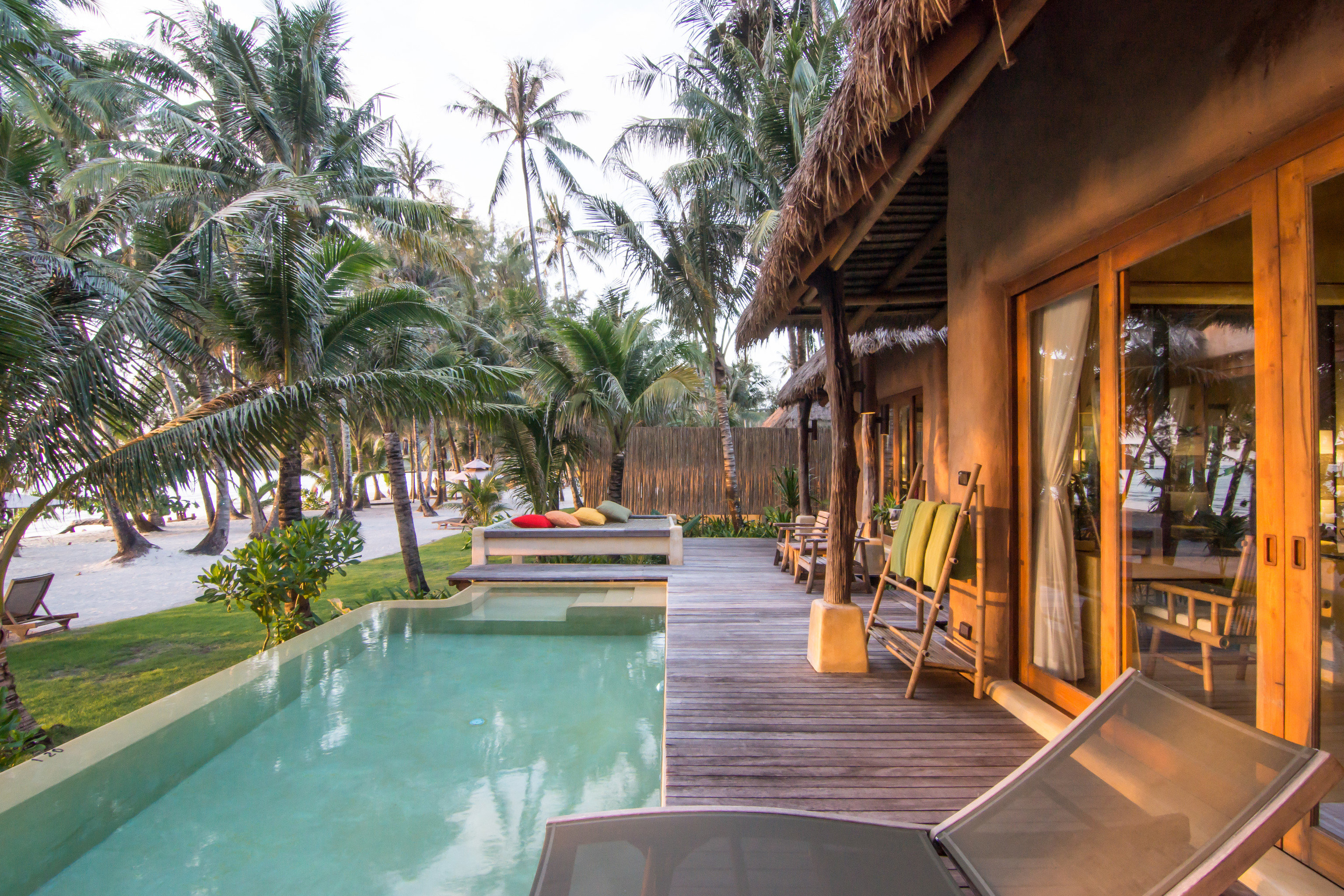Jetsetter Guides tree outdoor Resort property leisure building vacation swimming pool estate Villa resort town real estate eco hotel