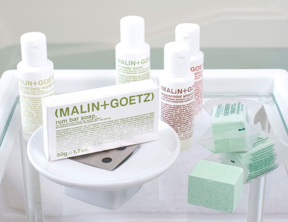 Hotels indoor product skin lotion bottle drinkware
