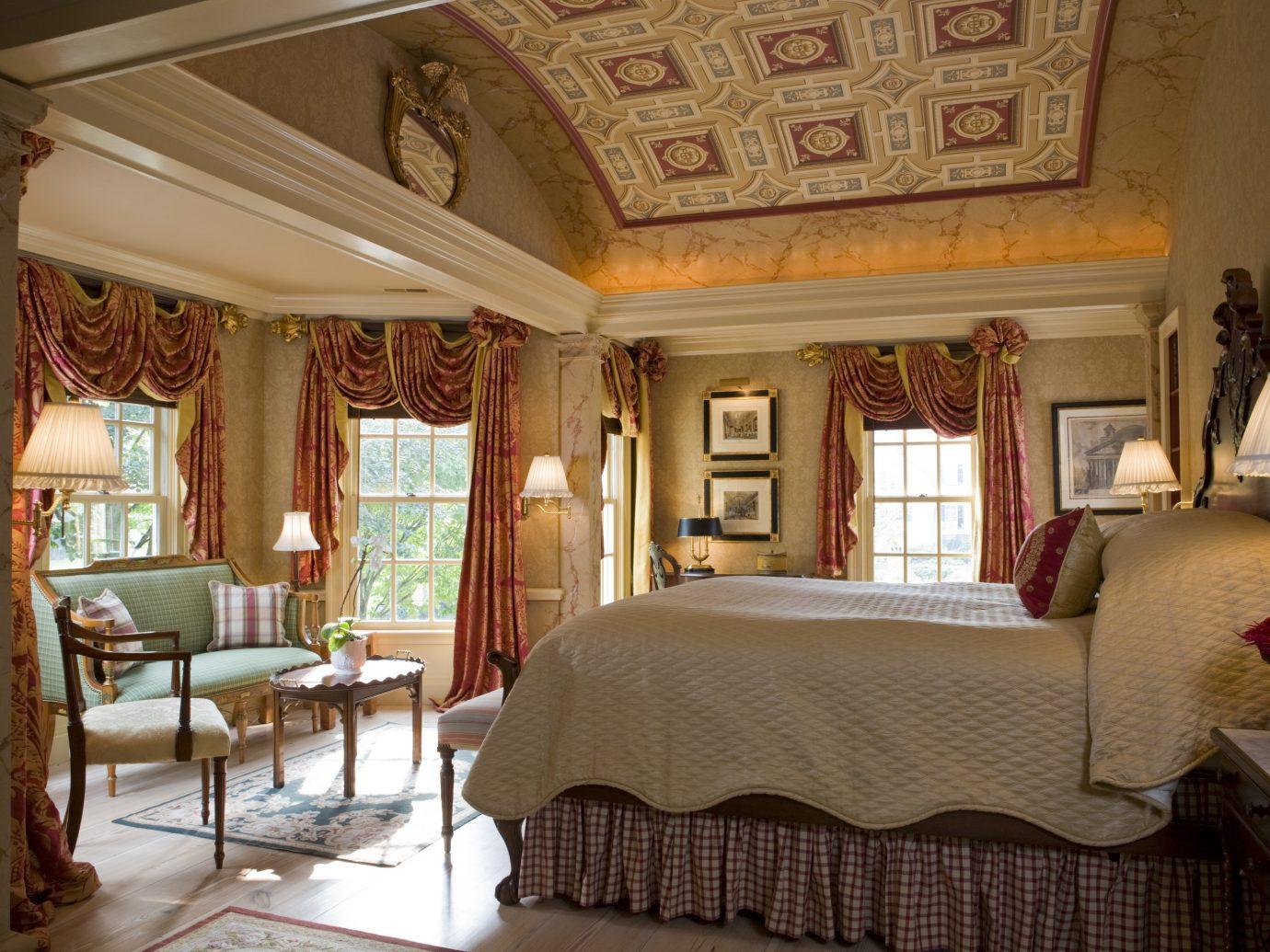 Hotels indoor room wall floor property estate living room Suite home mansion interior design cottage Villa real estate Bedroom Resort farmhouse area decorated furniture