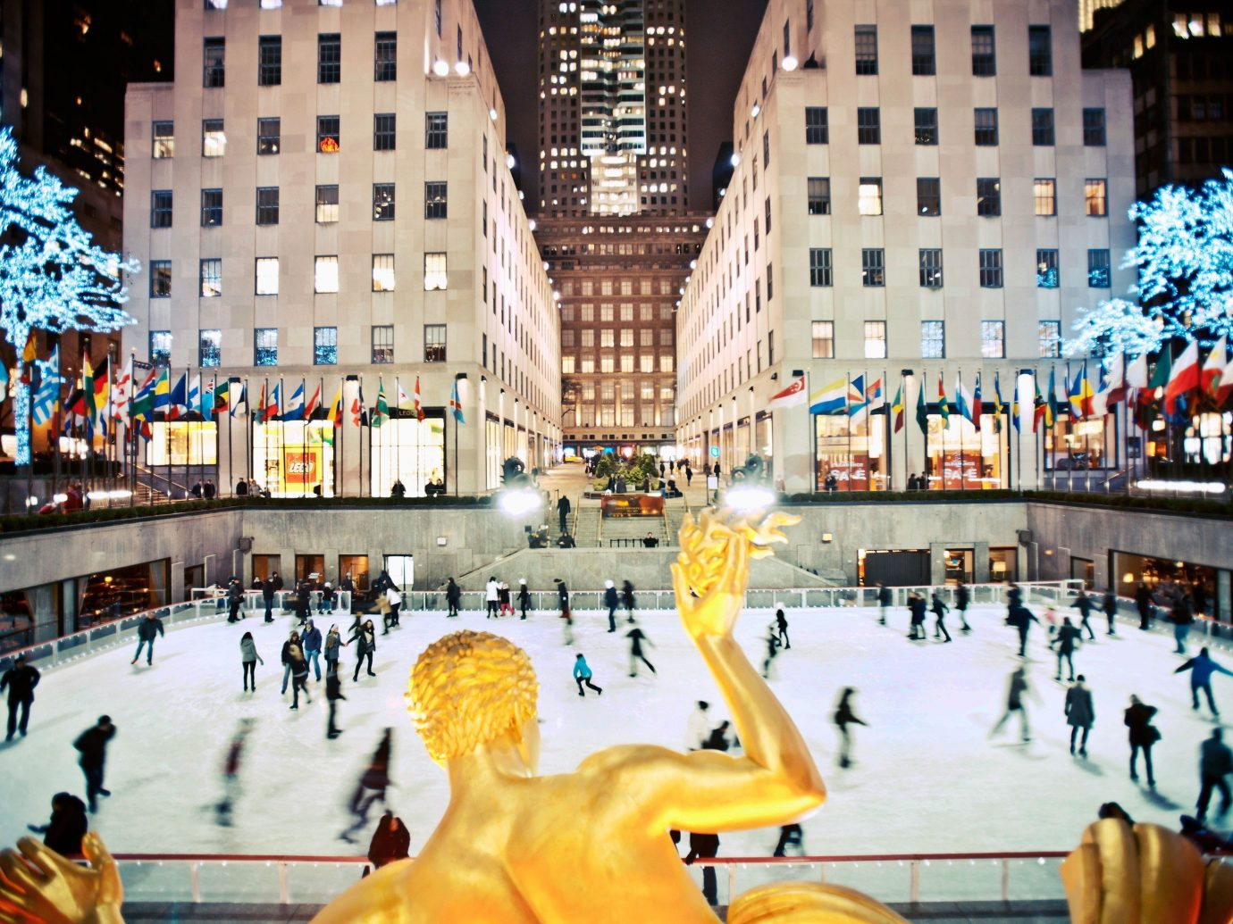 Trip Ideas plaza landmark City shopping mall ice rink town square amusement park tourism Downtown Resort park cityscape pedestrian