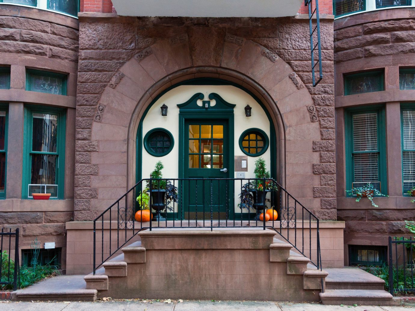 Offbeat building outdoor landmark house urban area neighbourhood Architecture estate facade home Downtown sidewalk window Courtyard mansion brick palace arch stone