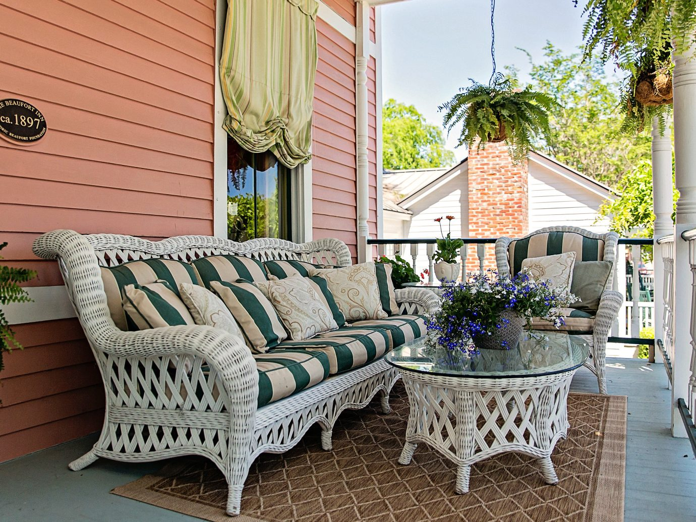 Balcony Country Deck Inn Living Lounge Trip Ideas property room porch estate home backyard outdoor structure cottage interior design real estate Villa living room Patio mansion Garden furniture stone