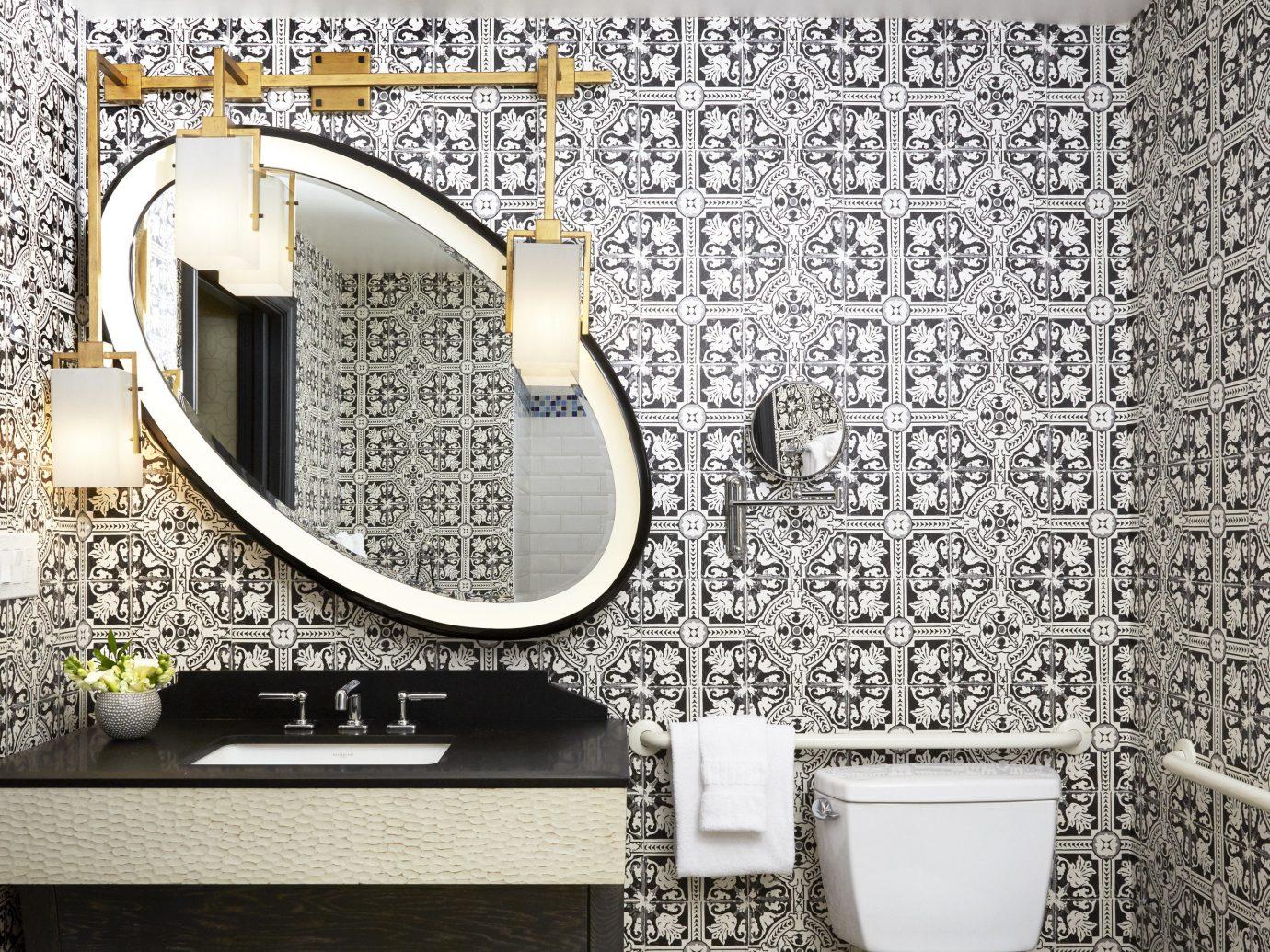 Bathroom At Hotel Solamara, A Kimpton Hotel In San Diego