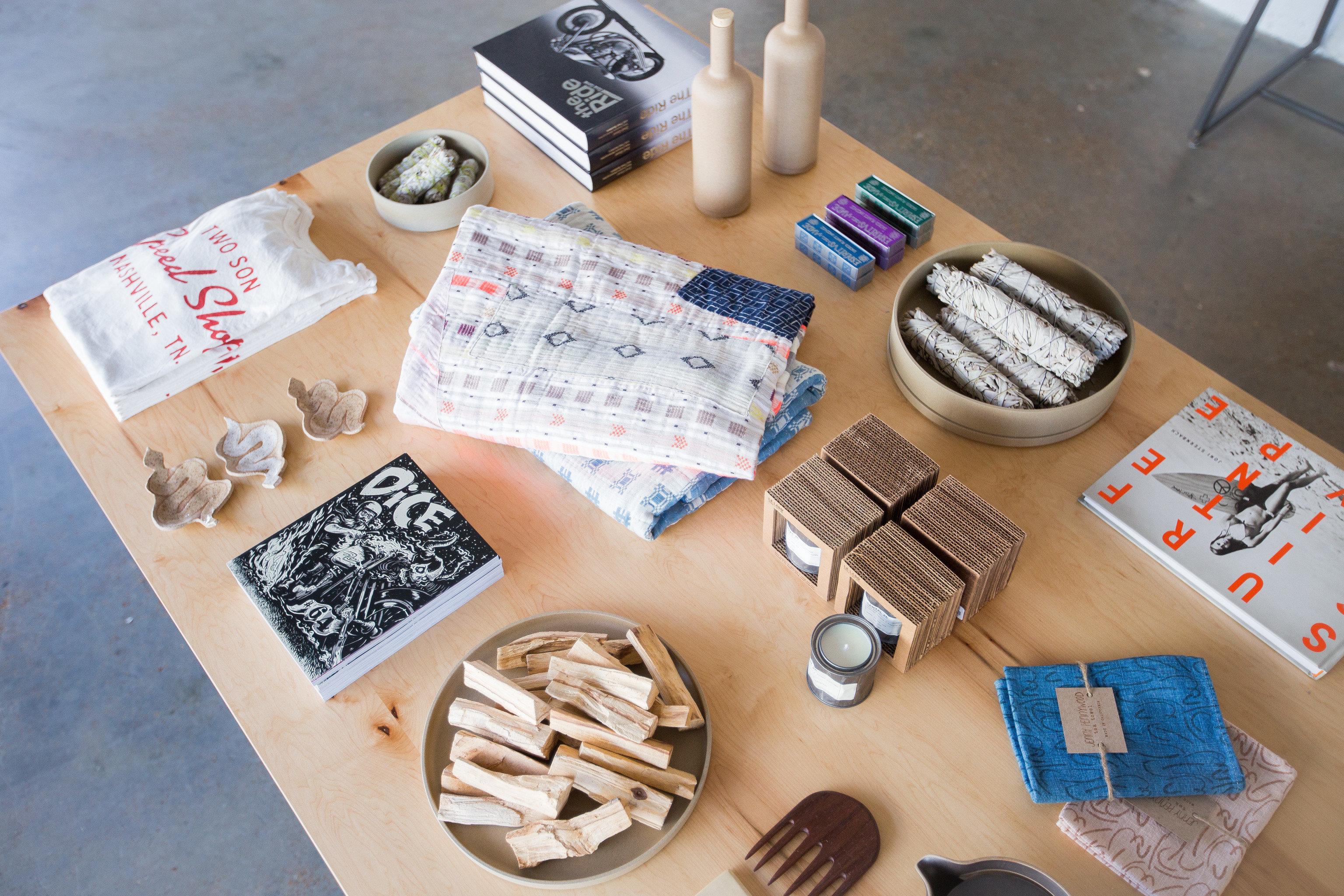 Jetsetter Guides floor indoor art Design brand items