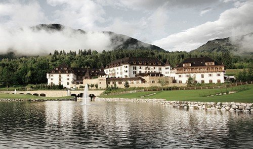 Hotels outdoor grass Nature mountain loch Lake reservoir panorama surrounded clouds
