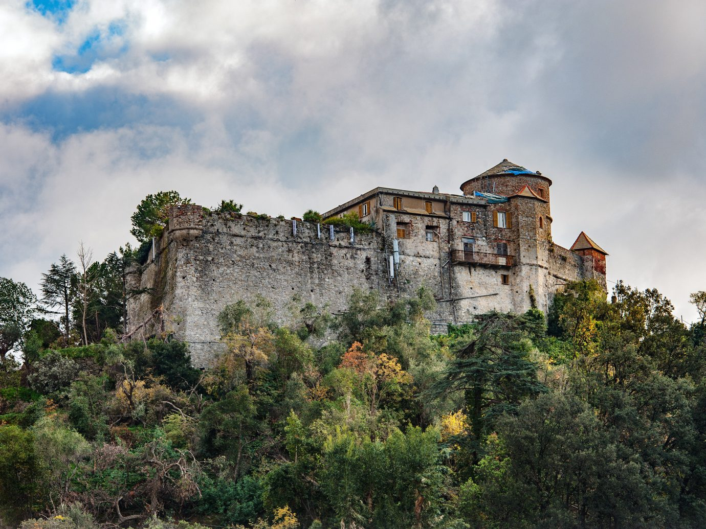 Italy Trip Ideas sky castle château building cloud tree Village estate fortification medieval architecture Ruins mountain ancient history house facade history landscape