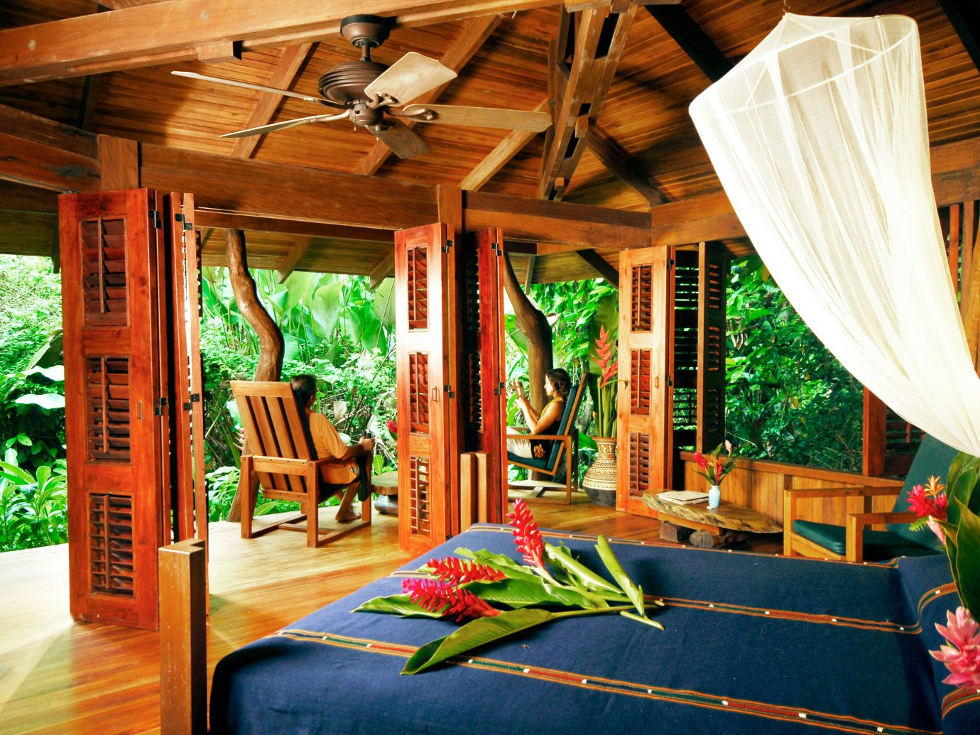 Adventure All-inclusive Balcony Bedroom Budget Eco Honeymoon Jungle Outdoor Activities Outdoors Romantic Rustic Scenic views Suite indoor leisure room Resort estate interior design decorated furniture
