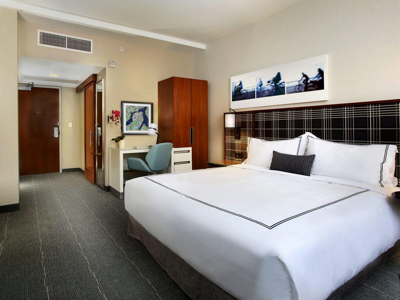 Bedroom Hotels Luxury Modern Suite indoor wall bed floor room ceiling property hotel estate real estate cottage interior design condominium apartment furniture