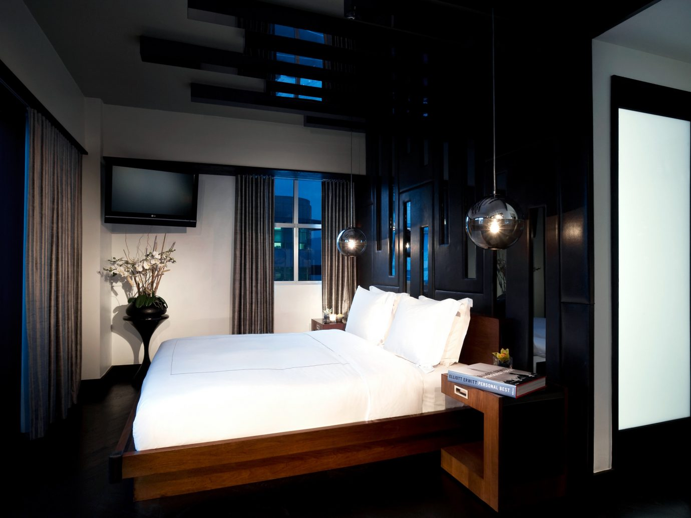 Bedroom Design Hip Hotels Modern Nightlife Party indoor wall floor room ceiling house interior design Suite lighting home living room estate