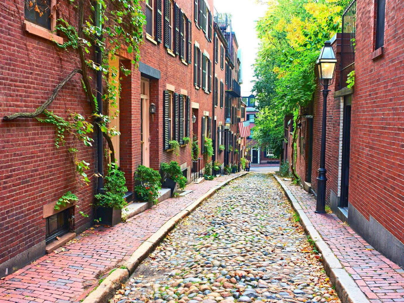 Trip Ideas outdoor brick building ground way sidewalk road alley scene Town street transport lane neighbourhood City road surface residential area urban area human settlement wall track red infrastructure suburb Courtyard Village flower autumn cityscape waterway walkway