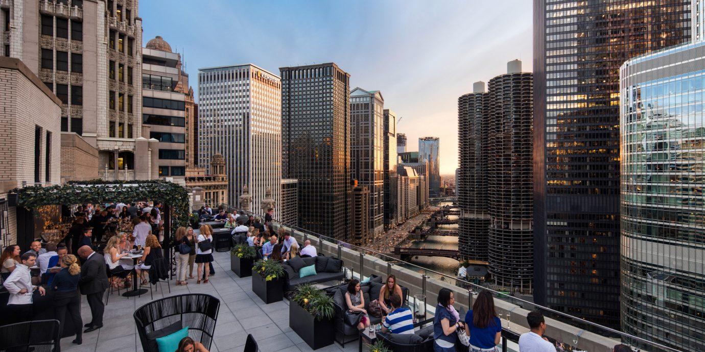 Hotels Trip Ideas Building Outdoor Metropolitan Area Metropolis City Urban People Skyser Neighbourhood Road Downtown