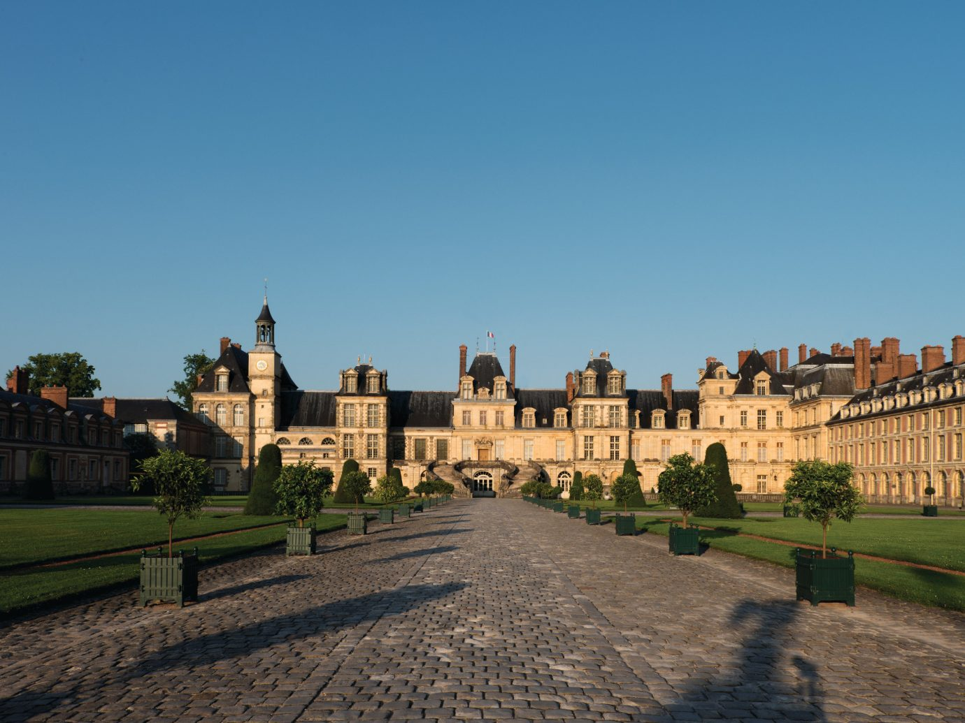Trip Ideas sky outdoor grass building landmark Town City human settlement château estate palace cityscape town square castle panorama monastery day